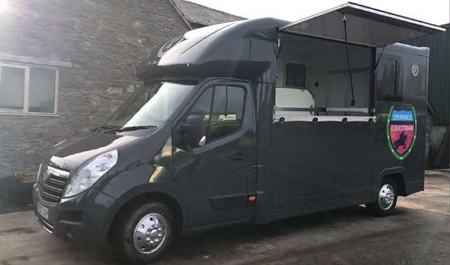 Transport - Our luxury horsebox